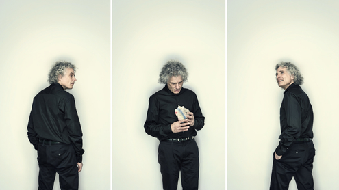 Steven Pinker with Object