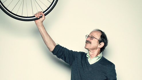 Harold Varmus with a bike wheel